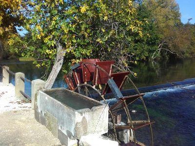 Restauration de la roue du Partage des Eaux à L'Isle sur la Sorgue
