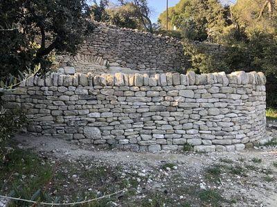 L'association Les Muraillers de Provence au Château de Saumane